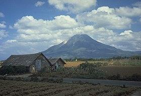 http://upload.wikimedia.org/wikipedia/commons/thumb/d/d1/Sinabung.jpg/280px-Sinabung.jpg
