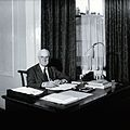 Sir Henry Hallett Dale. Photograph. Wellcome V0026249.jpg