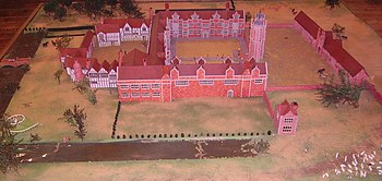 Model of Sissinghurst Castle in 1560. From right to left: gatehouse, tower, brick courtyard, wooden courtyard; moat front and left
