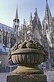 Skulpturen auf der Balustrade des Alten Wartensaals 01.jpg