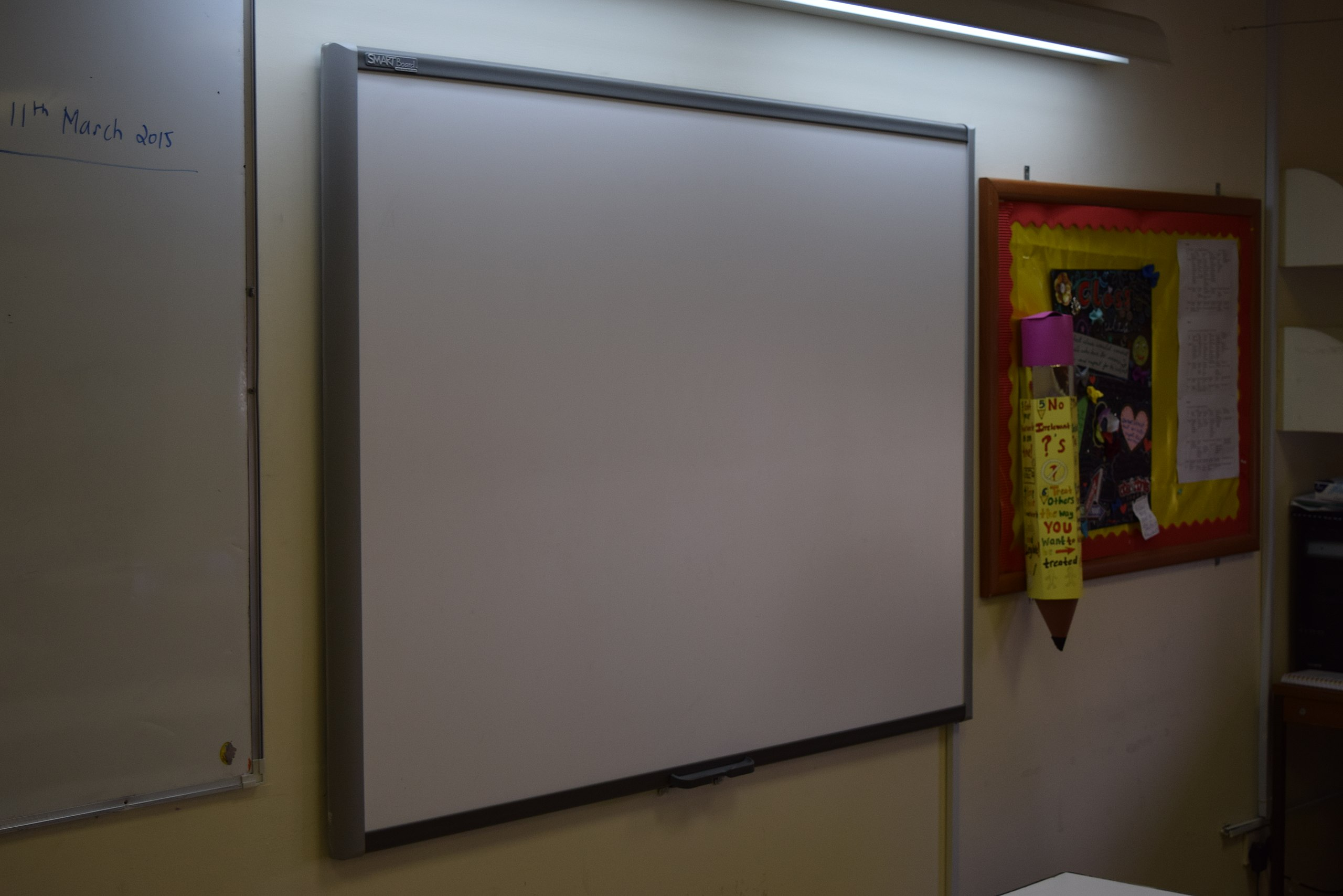 File:Smart interactive whiteboard.jpg - Wikimedia Commons