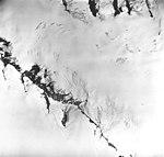 Snow River Glacier, source of valley glacier with bergschrund, August 27, 1963 (GLACIERS 6843).jpg