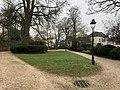 Square des Lions (Beaune) et lampadaire.jpg