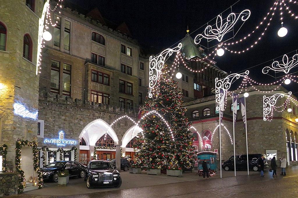 St. Moritz - Via Serlas (15885956157).jpg
