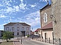 St Victor de Cessieu (mairie et église).jpg