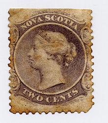 Estese alterazioni dovute alla fioritura sono evidenti sul supporto cartaceo di questo francobollo della Nuova Scozia, con effigie della Regina Vittoria