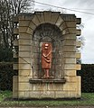 Statue L'Antique aux Bossages, à Arc-et-Senans (Doubs).jpg