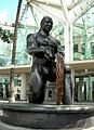 Statue at Hawaii Convention Center (4504939210).jpg