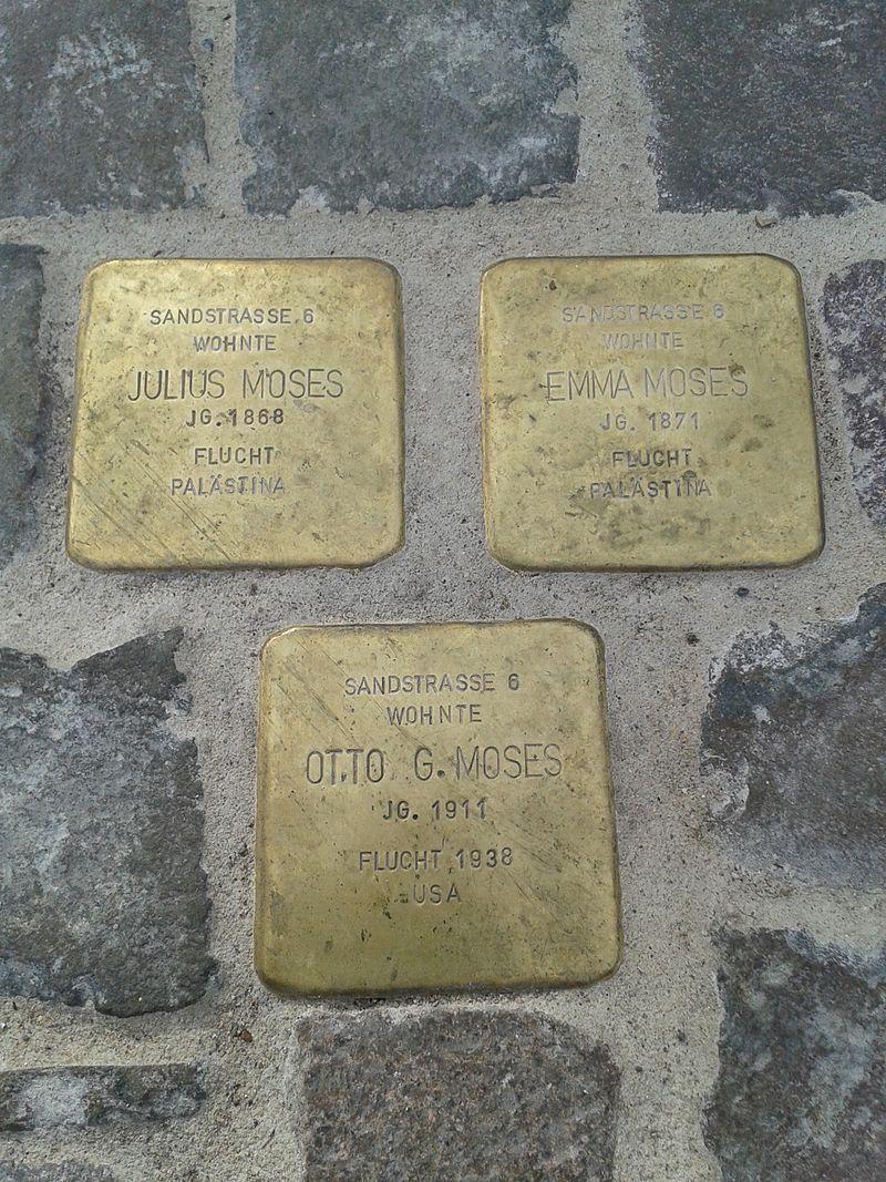 Stolpersteine Kirchen Bahnhofstraße 24.jpg
