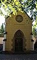 Strašnický hřbitov hrobka 3.jpg