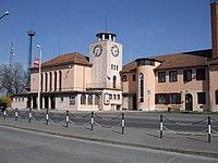Szekszárdi vasútállomás a város felöl.jpg