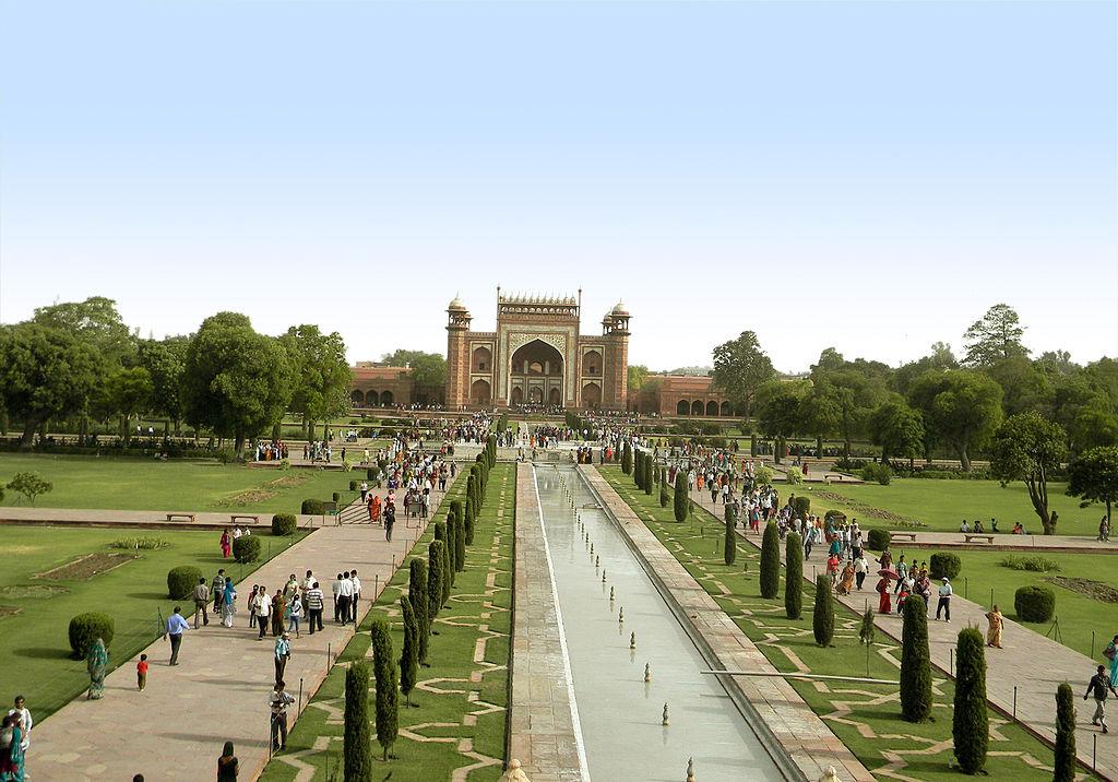 BUKURI TË RRALLA NATYRORE 1024px-Taj_Mahal_5