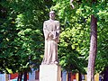 Terezín - Husova - Statue of Mistr Jan Hus - View North.jpg