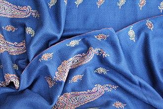 Pashmina - Kashmiri Pashmina Shawl with hand-embroidery using needle and silk