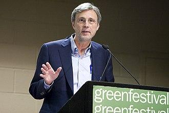 Thom Hartmann - Image: Thom Hartmann at 2010 Chicago Green Fest