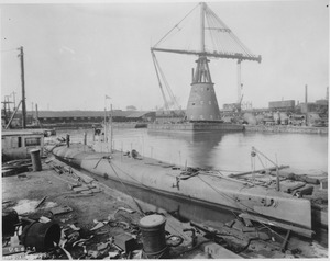 USS G-4 during her fitting out at the William Cramp & Sons shipyard, 1912.