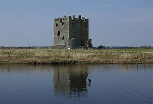Threave Castle - Image: Threave Castle 20080422 view from Dee