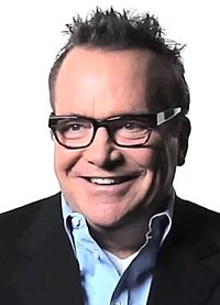 Tom Arnold Fade In 09.39 (cropped).jpg