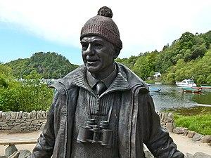 Tom Weir - Image: Tom Weir statue detail (geograph 4538480)