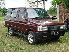 Toyota Kijang Deluxe SSX 1993 (KF42) .jpg