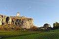 Turm der Burgruine Steinsberg in Ardez, Südseite.JPG