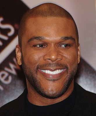 Tyler Perry - Perry at a book signing in 2006