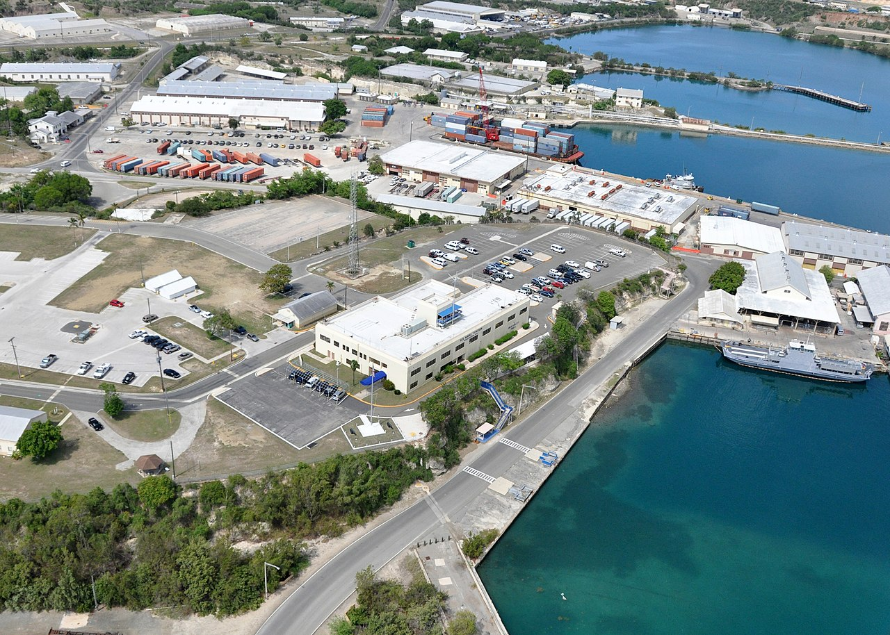 File:US_Navy_100506 N 8241M 191_An_aerial_view_of_Bulkeley_Hall_at_Naval_Station_Guantanamo_Bay,_Cuba._Bulkeley_Hall_is_the_naval_station_headquarters_and_administration_building on 3