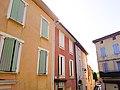 Une rue à Beaumes-de-Venise, Vaucluse, France.jpg