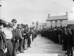 Unveiling the Henry Richard monument, Tregaron