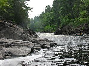 Magnetawan River - Image: Upper Magnetawan River, canoers