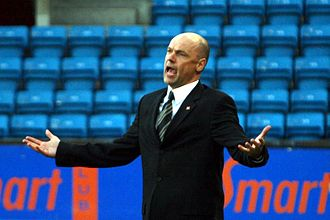 Uwe Rösler - Uwe Rösler as manager for Viking on 13 April 2009 in a 0–0 draw against Lyn