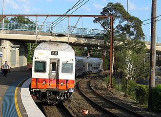 Blue Mountains Line - A V set train to Sydney at Katoomba station