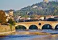 Verona Ponte Pietra 06.jpg