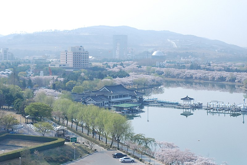 Bomun Lake Resort (image from Wikipedia)
