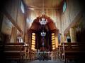 Vilniaus (Pavilnio) Kristaus Karaliaus ir Šv. Kūdikėlio Jėzaus Teresės bažnyčios interjeras vasarą.png