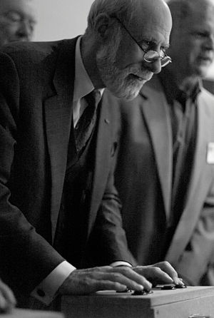 Vint Cerf - Cerf playing Spacewar! on the Computer History Museum's PDP-1, ICANN meeting, 2007