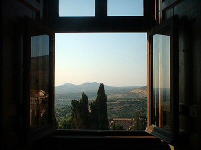 Villa d 39 este for Fenetre a cardinal
