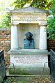 Währinger Ortsfriedhof original Schubert-Grabstein.jpg