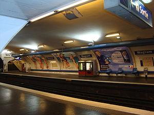 Wagram (Paris Métro) - Image: Wagram quai 2