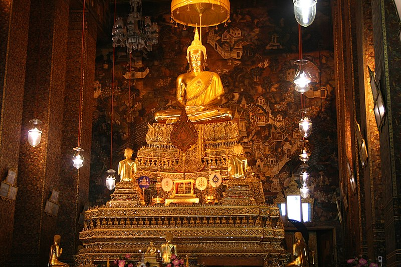 File:Wat Pho Bangkok (8281440609).jpg