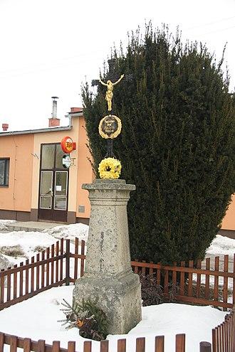 Boršov - Image: Wayside cross in Boršov, Jihlava District