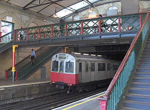 West Brompton station - Image: West Brompton 3