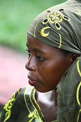 afrikai nő keresi fehér 2021
