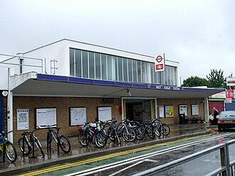 West Ruislip station - Image: West Ruislip stn building
