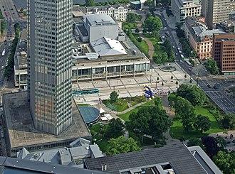Opern- und Schauspielhaus Frankfurt - The building from above