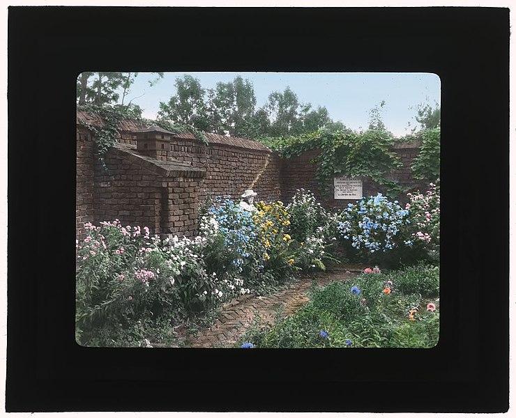 """File:""""The Pavilion,"""" Stephen Hyatt Pelham Pell house, Fort Ticonderoga, New York. LOC 7221399630.jpg"""