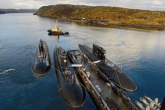 Kilo-class submarine - Image: «Калуга», «Липецк» и «Ярославль» в Полярном