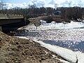 Дамба через Большую Коряжемку у г. Коряжма весной 1.JPG