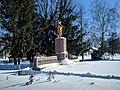 Пам'ятник воїнам 1939-1945 в Семенівці(зима 2018).jpg