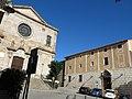 082 Plaça de Barberà (Badalona), amb Santa Maria i la Torre Vella.jpg